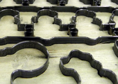 Фрагмент вырубного штампа (штанц-формы)